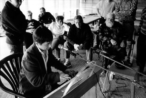 Takashi Harada demonstrates the Ondes Martenot for his fellow OM 8 composers