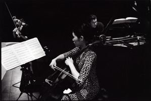 The Trio con Brio Copenhagen, featuring Soo-Jin Hong, Soo-Kyung Hong, and Jens Elvekjaer (l to r), rehearsing during OM 14.